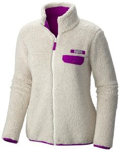 Featuring the soft, luxurious comfort of super-plush sherpa fleece and a crisp…