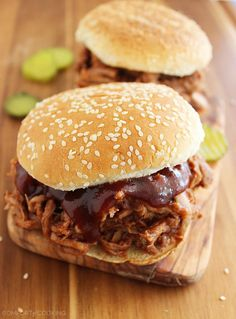 3-Ingredient Root Beer BBQ Pulled Pork – This mouthwatering, tender pulled pork is perfection on a bun. The perfect weeknight and party food! | thecomfortofcooking.com