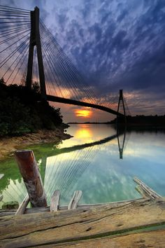 The Barelang Bridge (Jembatan Barelang) is a chain of 6 bridges of various types that connect the islands of Batam, Rempang, and Galang (Indonesia)