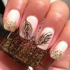 manicure rosa e oro piuma