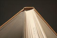 Hinge tightening for books