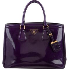 Pre-owned Prada Spazzolato Parabole Tote ($1,395) ❤ liked on Polyvore featuring bags, handbags, tote bags, purple, zippered tote bag, man bag, purse tote, zip tote bag and prada handbags