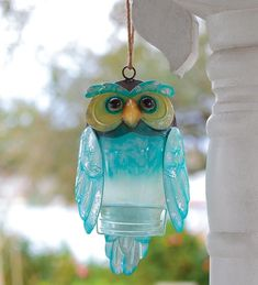 Recycled Bottle Owl - beautiful coloring, hangs outside and looks great, hangs inside and looks great. #recyclingbottles