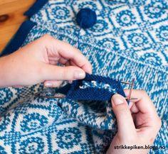 Sandwich-stolper med rullekant - Lilly is Love I Cord, Knitting Projects, Fingerless Gloves, Arm Warmers, Knit Crochet, Sandwiches, Blog, Hacks, Tejidos