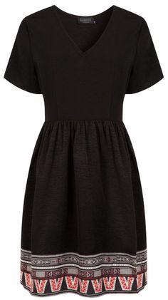 Une robe noire Eleven Paris été 2015