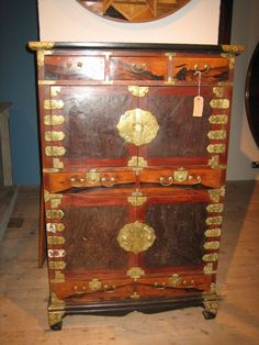 A Korean specimen wood Cabinet - Catalogue - Core One