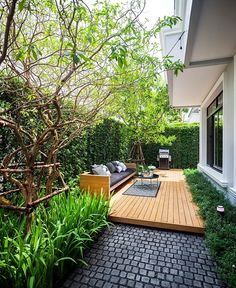 THE SHADE OF BLACK (#gingsite995) Small Courtyard Gardens, Small Backyard Gardens, Small Backyard Design, Backyard Patio Designs, Small Backyard Landscaping, Small Gardens, Landscaping Ideas, Narrow Backyard Ideas, Lanai Design