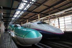 Avec leurs calandres futuristes ultra profilées, les Shinkansen font toujours leur petit effet sur les voyageurs occidentaux, habitués aux TGV et autres ICE européens au design nettement plus conventionnel.