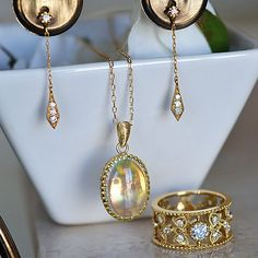 Gold  Opal Diamond  Reversible  Pendant  オパールとダイアモンドのリバーシブルペンダント
