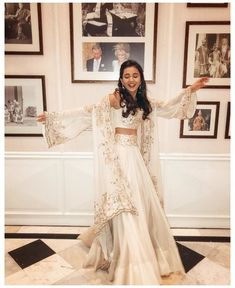 Indian Gowns Dresses, Indian Fashion Dresses, Dress Indian Style, Indian Designer Outfits, Indian Dresses For Girls, Abaya Style, Indian Bridal Outfits, Pakistani Bridal Dresses, Nikkah Dress