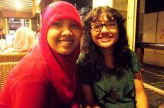 taun baru 2011, lari ke dunkin donat demi liat kembang api, makasih teman kos ku.. #melvina @nining