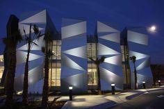 Mexico... Arch2o-New FECHAC Headquarters-Grupo ARKHOS (9) #architecture #mexico #style #contemporary