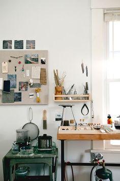 another feather Studio space / kitchen Studio Interior, Interior Design, Home Office, Art Studio Design, Studio Art, Studio Ideas, Design Industrial, Workshop Studio, Studio Organization