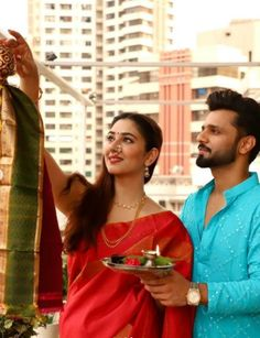 Bollywood Celebrities, Girlfriends, Empire, Boss, Sari, Platform, Entertainment, Social Media, Traditional