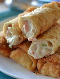 🔆️💙🔆️ CRAB RANGOON EGG ROLLS 🔆️💙🔆️ I love appetizers. I could seriously just east appetizers for dinner with a salad and I am happy. Crab Rangoon Egg Rolls are the perfect party appetizer and gre… Egg Roll Recipes, Crab Recipes, Appetizer Recipes, East Appetizers, Party Food Recipes, Best Food Recipes, Food Recipes For Dinner, Wonton Recipes, Appetizer Dishes