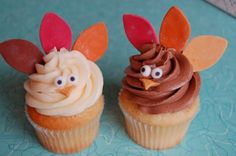Turkey cupcakes.  Use this face with candy corn tail feathers.