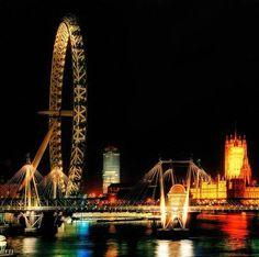 London at night <3
