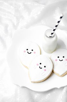 Cute Ghost Cookies Tutorial for Halloween parties
