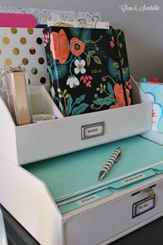 1000 images about organizing on pinterest greeting card - Neat desk organizer ...