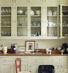Stylishly functional kitchens! By ELLE DECOR Staff Yes, storage can be stunning. Open shelving, glass cabinets, and color-coded dishes make for orderly and tasteful kitche...