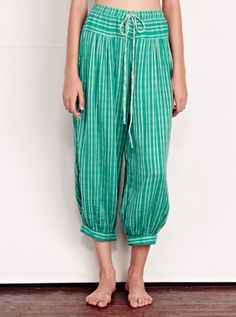 Gathering at ankle, switch up in stripe at top ace&jig holland stripe caravan pant Boho Fashion, Fashion Beauty, Kids Fashion, Ace And Jig, Clothing Hacks, Maternity Fashion, Maternity Style, Spring Summer Fashion, Spring 2014