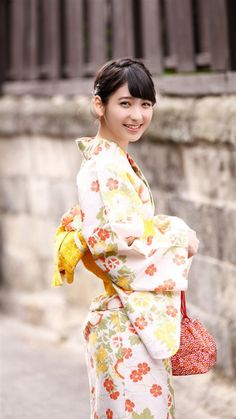 japan-beauty-buzz:  【HKT48】松岡菜摘 可愛い!!! 画像&動画まとめ♪