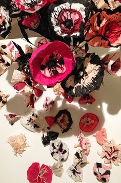 Decoration Retail Paper Flowers by ISABELLE DOLLEE