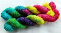 handgefärbte Sockenwolle 100 g   *395* von Piratenwolle auf DaWanda.com