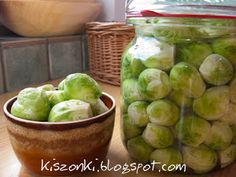 Kiszonki Tofalarii: Kiszona brukselka Tasty, Yummy Food, Superfood, Preserves, Pickles, Food To Make, Food And Drink, Homemade, Vegan