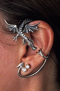 Silver Dragon Guardian Ear Wrap por martymagic en Etsy