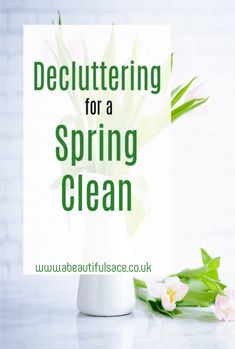 Decluttering for a Spring Clean - tops tips on how to declutter ready to start your spring cleaning Best Picture For spring cleaning clut House Cleaning Tips, Spring Cleaning, Cleaning Hacks, Clutter Free Home, Amazing Transformations, Box Branding, Household Chores, Finding A House, Decluttering