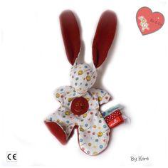 """Doudou lapin Moubbi   """" tout sourire """", drôle, doux, Original Fait main . Un cadeau de naissance unique ."""