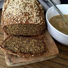 This lovely paleo sandwich bread is grain-free, low-carb and so simple to make, and it makes the perfect bread for your sandwiches too!