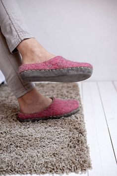 boiled wool slippers- woman wool slippers- warm wool slippers- women felt slippers- felt slippers- wool clogs- pink wool slippers