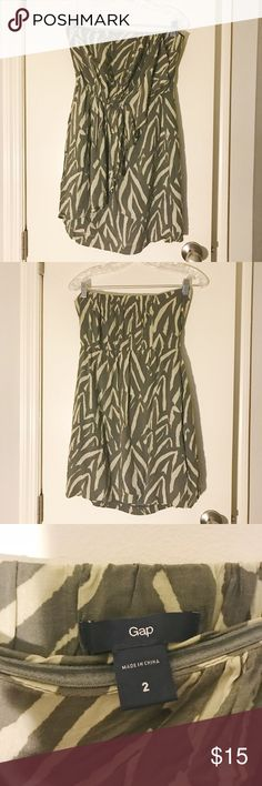 [Gap] Zebra Print Dress Grey and white zebra print strapless dress. Very comfortable and easy to wear. Lightly worn. GAP Dresses Strapless