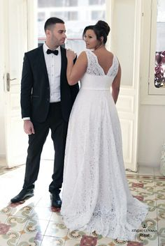 Timeless lace plus size wedding gown. Rinat. Studio Levana