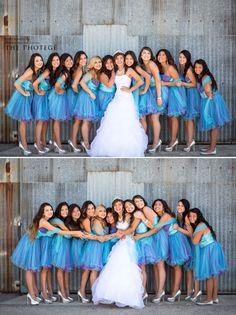 Quinceañera photo poses with damas Photo Credit: The Photegé #Quinceaneraphotoidea #damas