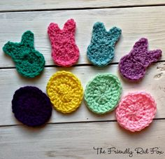 The Friendly Red Fox: Free Bunny and Easter Egg Crochet Garland Pattern Easter Egg Pattern, Easter Crochet Patterns, Applique Patterns, Crochet Crafts, Yarn Crafts, Crochet Projects, Crochet Ideas, Crochet Garland, Easter Garland