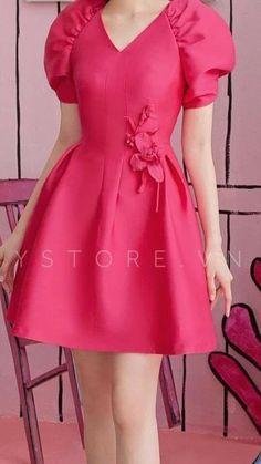 Fancy Dress Design, Stylish Dress Designs, Frock Design, Simple Dresses, Casual Dresses, Short Dresses, Baby Pageant Dresses, Girls Dresses, Indian Designer Outfits