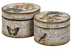 Vintage style hat boxes - for the MN kitchen Decoupage Box, Decoupage Vintage, Painted Boxes, Wooden Boxes, Vintage Hat Boxes, Pretty Box, Altered Boxes, Trinket Boxes, Painting On Wood