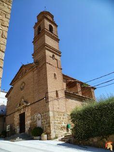 La iglesia Parroquial de Nuestra Señora de la Asunción, en la localidad de Baells, es una pequeña pero bonita construcción barroca del siglo XVII, provincia de Huesca.iglesia de la asuncion de baells (12).jpg