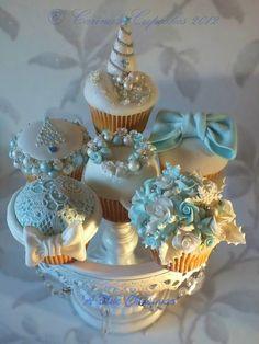 A Blue Christmas Cupcakes