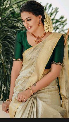 Kerala Saree Blouse Designs, Half Saree Designs, Fancy Blouse Designs, Bridal Blouse Designs, Modelista, Saree Trends, Stylish Sarees, Saree Models, Indian Fashion Dresses