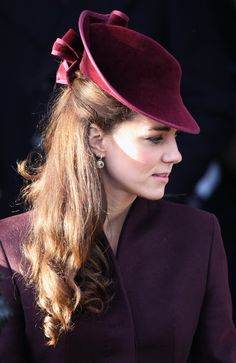 Another of Kate Middleton's hats. What a great silhouette and color!