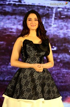 Tamannah Bollywood Cinema, Bollywood Photos, Bollywood Actress, South Actress, South Indian Actress, Hot Actresses, Indian Actresses, Tamil Actress Photos, Beautiful Hijab