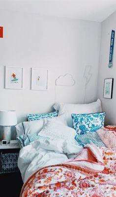 inspiration: [room] Laminate Flooring – plenty of designs Article Body: One of the greatest advantag Room Ideas Bedroom, Home Decor Bedroom, Bedroom Inspo, Bedroom Themes, Decoration Inspiration, Room Inspiration, Decoration Pictures, Dorm Room Designs, Cute Room Decor
