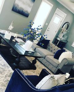 Happy Sunday hope everyone had a great weekend Jusminda_homedecore Living Room Decor Grey And Blue, Silver Living Room, Navy Living Rooms, Glam Living Room, Living Room Decor Cozy, Elegant Living Room, Formal Living Rooms, First Apartment Decorating, Living Room Inspiration