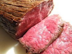たった30分! 牛肉と塩だけでできる「絶品ローストビーフ」の簡単レシピをご紹介☆