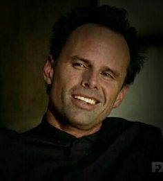 I can't believe there's only one week left of Boyd Crowder! I'm gonna miss that smooth talking sexy man. Walton Goggins as Boyd Crowder. Final season of Justified.
