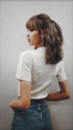One word : Gorgeous Blackpink Lisa, Jennie Blackpink, South Korean Girls, Korean Girl Groups, Blackpink Fashion, Fashion Outfits, Image Pinterest, Blackpink Poster, Lisa Blackpink Wallpaper